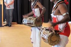 Die Tempeltänzerinnen und Trommler sorgten im Lüderhaus für exotisches Flair