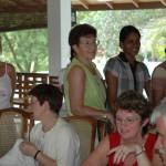 Die Pateneltern aus Deutschland können ihre Kinder auf den jährlich organisierten Patenelternreisen in Sri Lanka persönlich besuchen.